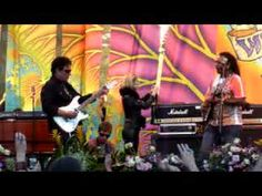 "JOURNEY's Neal Schon jams with Vernon ""Ice"" Black to 'Voodoo Child' trib..."