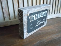 Wooden art decor/trust in the lord/distressed