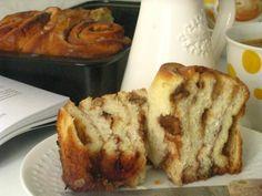 Kysnuté koláče s jablkami a orechami   Míniny recepty Czech Recipes, Sweet Desserts, Desert Recipes, Banana Bread, Food To Make, French Toast, Recipies, Food And Drink, Cookies