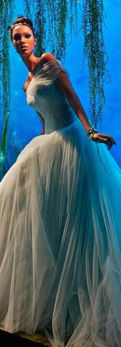 10 Disney Princesses by 10 Fashion Designers
