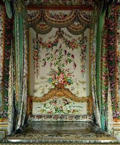 "Marie Antionette's bed, Versaille......she sure had ""nice"" everything. B."