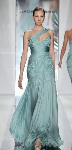Style of Westeros — Daenerys Targaryen - Jack Guisso Haute Couture S/S. Vestidos Red Carpet, Beautiful Gowns, Beautiful Outfits, Elegant Dresses, Pretty Dresses, Dress Couture, Evening Dresses, Prom Dresses, Designer Evening Gowns