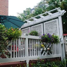 Deck with planters and lattice privacy screens exterior for Hanging privacy screens for decks
