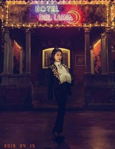 "The producers of tvN's ""Hotel Del Luna"" recently surprised viewers with multiple photos of IU 's character, Jang Man Wol during different time periods. Korean Actresses, Korean Actors, Actors & Actresses, Korean Dramas, Luna Fashion, Daily Fashion, K Drama, Special Girl, Soyeon"