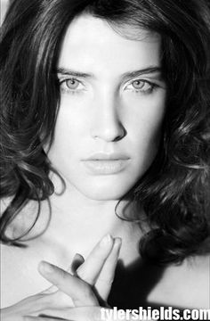 Cobie Smulders Beautiful Female Celebrities, Beautiful Actresses, Gorgeous Women, Beautiful People, Most Beautiful, Black And White Girl, Black N White Images, White Girls, Cobie Smulders