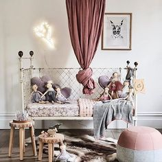 5 ways to create the perfect vintage haven for a child http://petitandsmall.com/charming-vintage-kids-rooms/