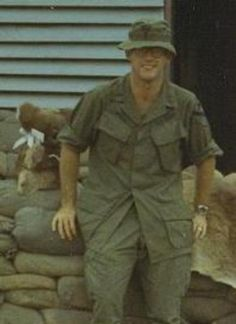 Virtual Vietnam Veterans Wall of Faces | WILLIAM T WALSH JR | ARMY