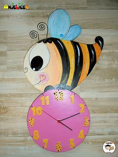 anjelicek / Hodiny - včielka Clock, Wall, Home Decor, Watch, Decoration Home, Room Decor, Clocks, Walls, Home Interior Design