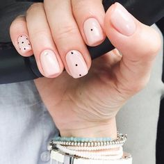 Have you heard of the idea of minimalist nail art designs? These nail designs are simple and beautiful. You need to make an art on your finger, whether it's simple or fancy nail art, it looks good. Of course, you may have seen many simple and beaut Pink Nails, My Nails, Pastel Nail, Shellac Nails, Neutral Nail Art, Nagellack Trends, Minimalist Nails, Minimalist Style, Minimalist Living