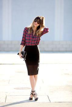 as faldas de lápiz o de tubo son bastante similares y ambas son adecuadas para llevar un look elegante y arreglado, pero no van bien para todos los cuerpos, ya que si tienes un cuerpo voluminoso será mejor optar por otro tipo de faldas.