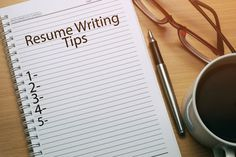 "5 Expert Tips To Modernize The 'Look And Feel' Of Your Resume On average, recruiters spend only six seconds reviewing each resume. Here are some expert tips on how to modernize the ""look and feel"" of your resume!"