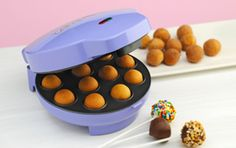 The Baby cakes cake pop maker brings the fun and delicious cake pops trend into your own kitchen. Bake 12 cake pops or donut holes in just minutes. Add sticks and a touch of creative decorating for perfect cake pops in no time! Bakes 12 Cake Pops or Babycakes Cake Pop Maker, Popcake Maker, Cake Pops How To Make, Rose Fuchsia, Cake Makers, Baby Cakes, Sweet Cakes, Savoury Cake, Clean Eating Snacks