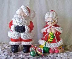 Vintage Santa Claus and Mrs Claus Ceramic Figures by cynthiasattic