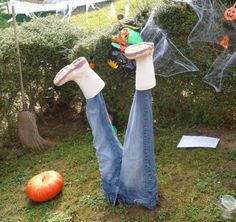 Are you looking to up your Halloween decor game this year? Grab jeans and boots from Chez Thrift for this DIY idea! http://ccs4u.org/chez-thrift/