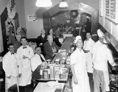 Vanessi's restaurant, San Francisco, 1952
