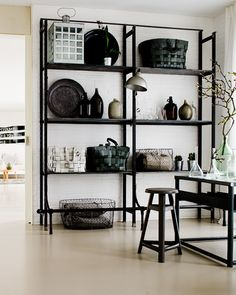 would like these open black shelves in my living room Sweet Home, House Design Photos, Home Design, Home And Deco, Interior Design Inspiration, Interior Ideas, Modern Interior, Design Ideas, Open Shelving