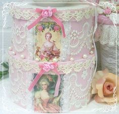 Borrowed picture of hat boxes Romantic Shabby Chic, Vintage Shabby Chic, Shabby Chic Crafts, Vintage Crafts, Shabby Boxes, Hat Boxes, Altered Boxes, Pretty Box, Pretty Packaging