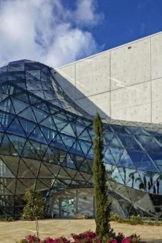The Dali Museum is one of America's most mind-bending architectural wonders Vacation Destinations, Vacation Trips, Vacation Ideas, Salvador Dali, Dali Paintings, St Petersburg Fl, Cleveland Museum Of Art, Anna Maria Island, Places To Visit