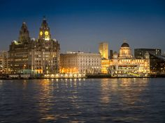Liver Building at Dusk. Dusk, Liverpool, Louvre, Building, Photography, Travel, Photograph, Viajes, Buildings