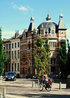 Officiele en nuttige informatie, lokaal adverteren in Antwerpen via Het Prikbord van Belgie. Weet je een interessante site die je zelf zou toevoegen, stuur een mail naar mailto:info@climbingbvba.be