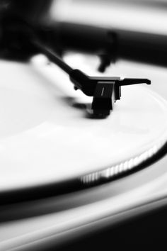 analogue over digital...feel the warmth of an lp record
