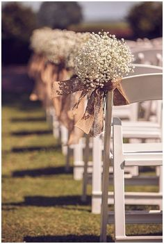 Looking for hessian wedding ideas We have pulled together our all time favourite ideas for weddings using hessian and burlap. Browse over 40 hessian wedding ideas below. Burlap and hessian Hessian Wedding, Wedding Aisle Outdoor, Wedding Aisle Decorations, Wedding Rustic, Rustic Weddings, Wedding Vintage, Wedding Favors, Western Weddings, Rustic Wedding Decorations