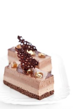 Entremets marron glacé chocolat | by http://cilieginasullatorta.it soft biscuit with chocolate, cream scioglievolissima chestnut, a light mousse with dark chocolate and a chocolate tuile dentelle