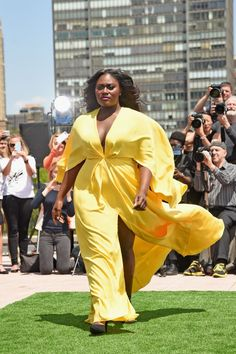 Danielle Brooks in Christian Siriano. COME THROUGH QUEEN (loved by #thatsprettyfunny)
