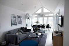 Grå Valen soffa. Linne, dun, djup, rymlig, låg, Linn Herbertsson, möbler, möbel, inredning, vardagsrum.