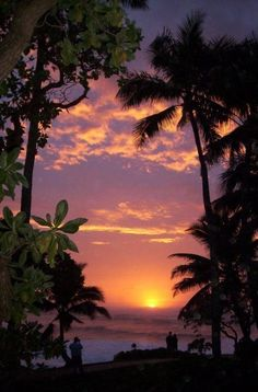 North Shore Sunset #hawaii another place I would like to visit again. Just so…