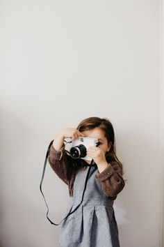 This shot is everything It needs a new hashtag, what do you think? Photo by Little Kid Fashion, Toddler Fashion, Kids Fashion, Cute Kids, Cute Babies, Baby Kids, How To Pose, Photo Instagram, Kind Mode