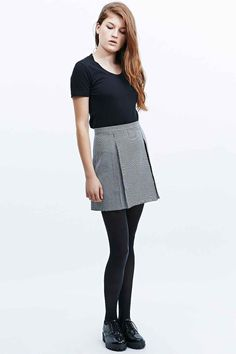 Cooperative by Urban Outfitters Houndstooth Pleated Mini Skirt