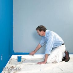 Painting: How to Paint a Room Fast A veteran painting contractor shares his secrets for painting walls fast, yet producing first-rate results. You can easily master these techniques too, and get a professional-looking finish. Do It Yourself Design, Do It Yourself Home, Painting Tips, House Painting, Painting Walls, Painting Art, Painting Techniques, Painting Edges, Painting Baseboards