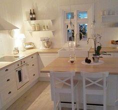 Supertolle, weiße Landhausküche - Ikea