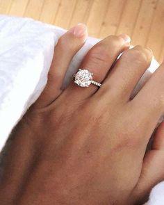 Top 20 Diamond Engagement Rings from James Allen James Allen Diamant-Verlobungsring Big Wedding Rings, Wedding Rings Solitaire, Beautiful Wedding Rings, Solitaire Engagement, Wedding Jewelry, Solitaire Diamond, Dream Wedding, Bridal Rings, Round Diamond Engagement Rings