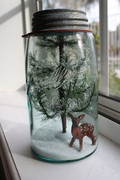 nl, a webportal with only the best webshops, loves these mason jars. The Lemonista: Mason Jar Snow Globes & Terrariums Tutorial ~ Holiday Repurposing Noel Christmas, Primitive Christmas, Rustic Christmas, Winter Christmas, Christmas Ornaments, Mason Jar Christmas Decorations, Classy Christmas, Christmas Porch, Christmas Music