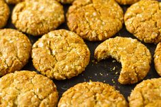 These sugar-free ANZAC biscuits taste exactly the same as the sugar and golden syrup variety but with no fructose, which means you can have more than one. Sugar Free Baking, Sugar Free Sweets, Sugar Free Recipes, Almond Recipes, Sweet Recipes, Whole Food Recipes, Baking Recipes, Vegan Recipes, Baking Ideas
