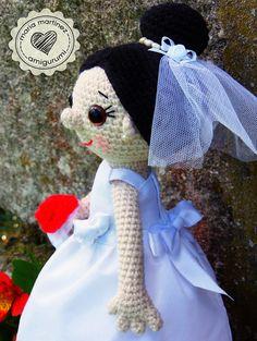 Maria Martinez Amigurumi (muñecos de ganchillo): bride / novia. Link to the doll's FREE pattern ---  Patrón de la muñeca GRATIS   #FreePattern #Amigurumi #AmigurumiBride