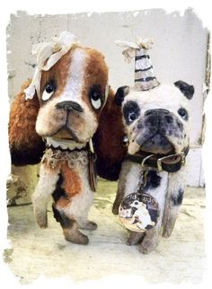 iTTY-BiTTY Basset Hound & English Bulldog by Wendy Meagher of Wendi's Bears
