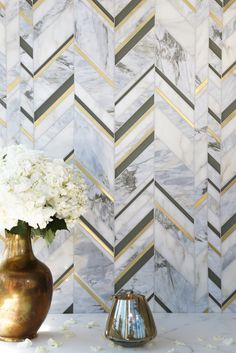 Royale / Odyssée Collection  (Calacatta Oro & Pacifica Blue), Venetian Glass and brushed brass by Mosaique Surface