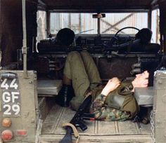Royal Tank Regiment - Some Images from the lads Northern Ireland Troubles, British Armed Forces, Lest We Forget, Military Service, Land Rovers, Reference Images, British Army, Armored Vehicles, Land Rover Defender