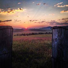 A stunning sunset on the prairies of South Dakota.