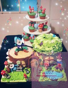 Donde viven los duendes... torta y cupcakes