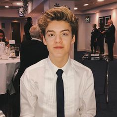 Reece in a suit is everything. New Hope Club, A New Hope, Blake Richardson, Reece Bibby, Will Simpson, Bradley Simpson, Vintage Boys, Tumblr Boys, Celebs