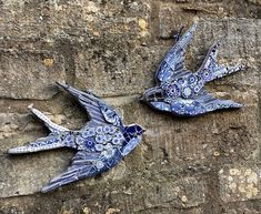 Handmade Mosaic Swallow — ChinaJack MosaicsYou can find Mosaic tiles and more on our website. Gaudi Mosaic, Mosaic Tile Art, Mosaic Vase, Mosaic Birds, Blue Mosaic, Mirror Mosaic, Mosaic Diy, Mosaic Crafts, Mosaic Projects