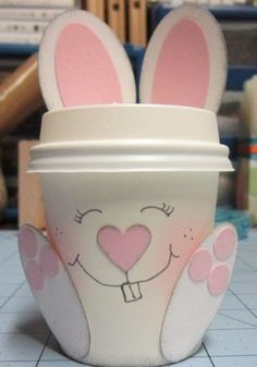 Back with another mini coffee cup project. Easter Crafts, Holiday Crafts, Crafts For Kids, Coffee Cup Crafts, Mini Coffee Cups, Diy Ostern, 3d Paper Crafts, Craft Show Ideas, Easter Party