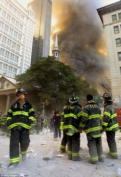 Firefighters watch as smoke rises from the site of the World Trade Center collapse September 2001 in New York City after two hijacked airplanes crashed into the twin towers in a terrorist attack. Get premium, high resolution news photos at Getty Images World Trade Center, Trade Centre, Flatiron Building, We Will Never Forget, Lest We Forget, Lower Manhattan, Firefighter Watches, 11 September 2001, Tama