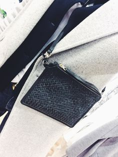 This bag from Whyred is a must have for this season. So classy n chic.