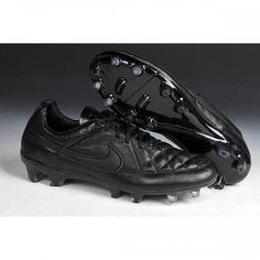 on sale 8c37c d1cf9 Les chaussures Nike Tiempo Legend V FG les plus classiques ont aussi,  parfois, besoin. New Adidas Football ...