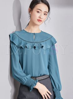 Shop Stylish Blue Ruffled Splicing Chiffon Blouse at EZPOPSY. Casual Skirt Outfits, Casual Winter Outfits, Korean Blouse, Stylish Tops For Women, New Blouse Designs, Sleeves Designs For Dresses, Blouse Models, Blouses For Women, Ladies Blouses